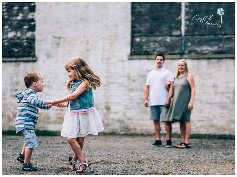 Rainy Summer Family Portrait Session at Harlinsdale Farms